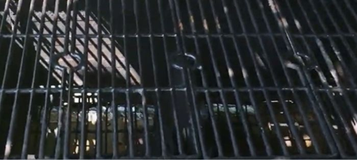 How to convert an old gas grill to charcoal smoker